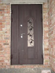 Выбираем входные двери со стеклом