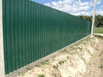 Забор из профилированного настила
