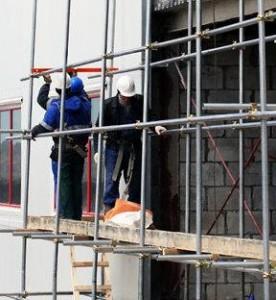 Компания МЕГА предлагает выгодно купить строительные леса