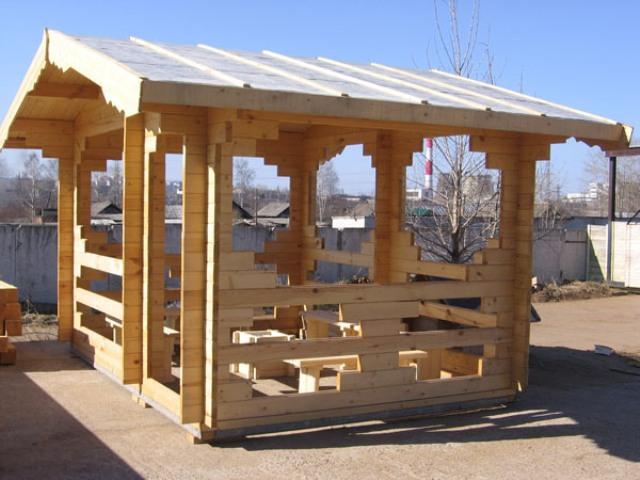 Как построить беседку из дерева