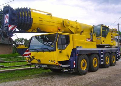 Liebherr LTM 1090 Frankreich