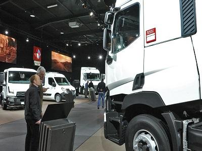 Renault Trucks Square_5