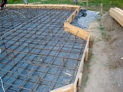monolit-Fundament-pod-derevjannyj-dom