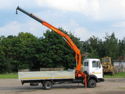 equipamento-grua-auxiliar-VELMASH-kmu-90---2_big--10102020452992422500