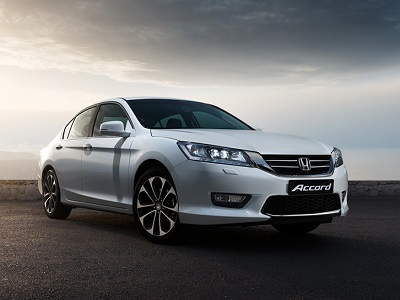 Honda_accord_2013_front